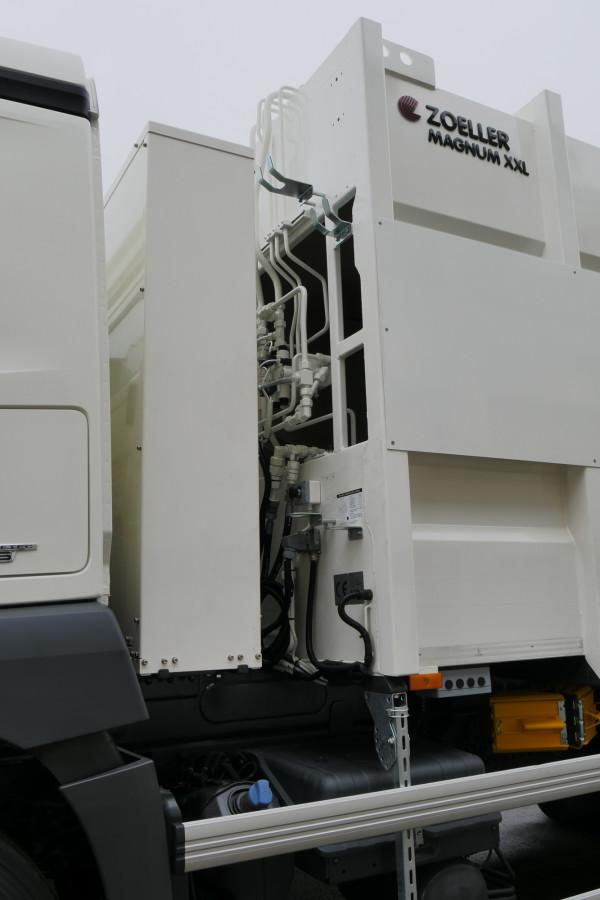 hybrid-03_lowres-600x900